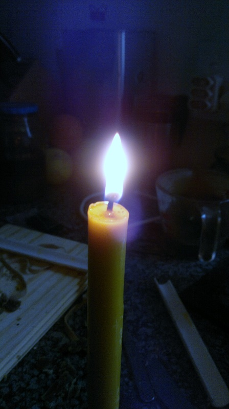 beeswax candle beta